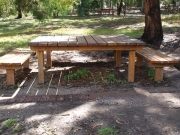 Open-sided-table