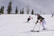 Children-in-an-adaptive-ski-program