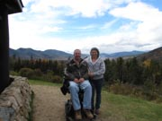 A-couple-on-mountain-trail